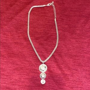 Jewelry - cute silver necklace